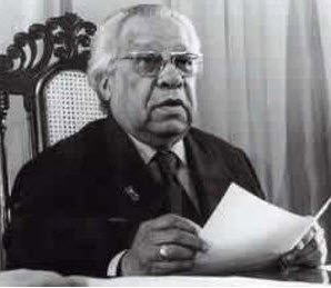 Nicolás Guillén (Camagüey, 10 de julio de 1902-La Habana, 17 de Julio de 1989) Poeta Nacional de Cuba